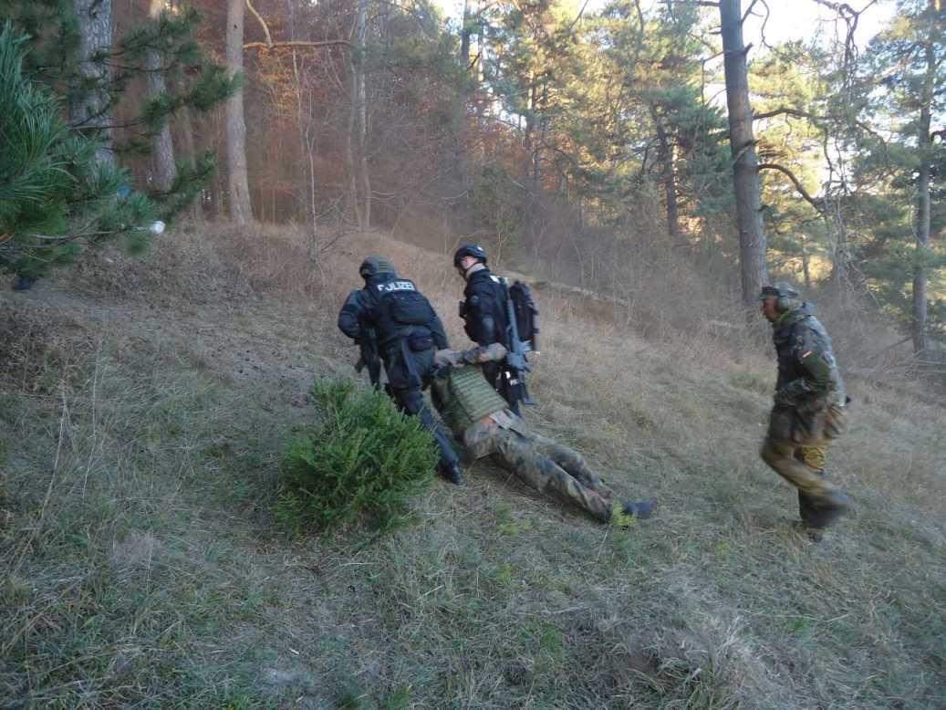 San-Übung 2015 Lerchenfeld044
